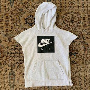 Nike short-sleeved sweatshirt boys size XL